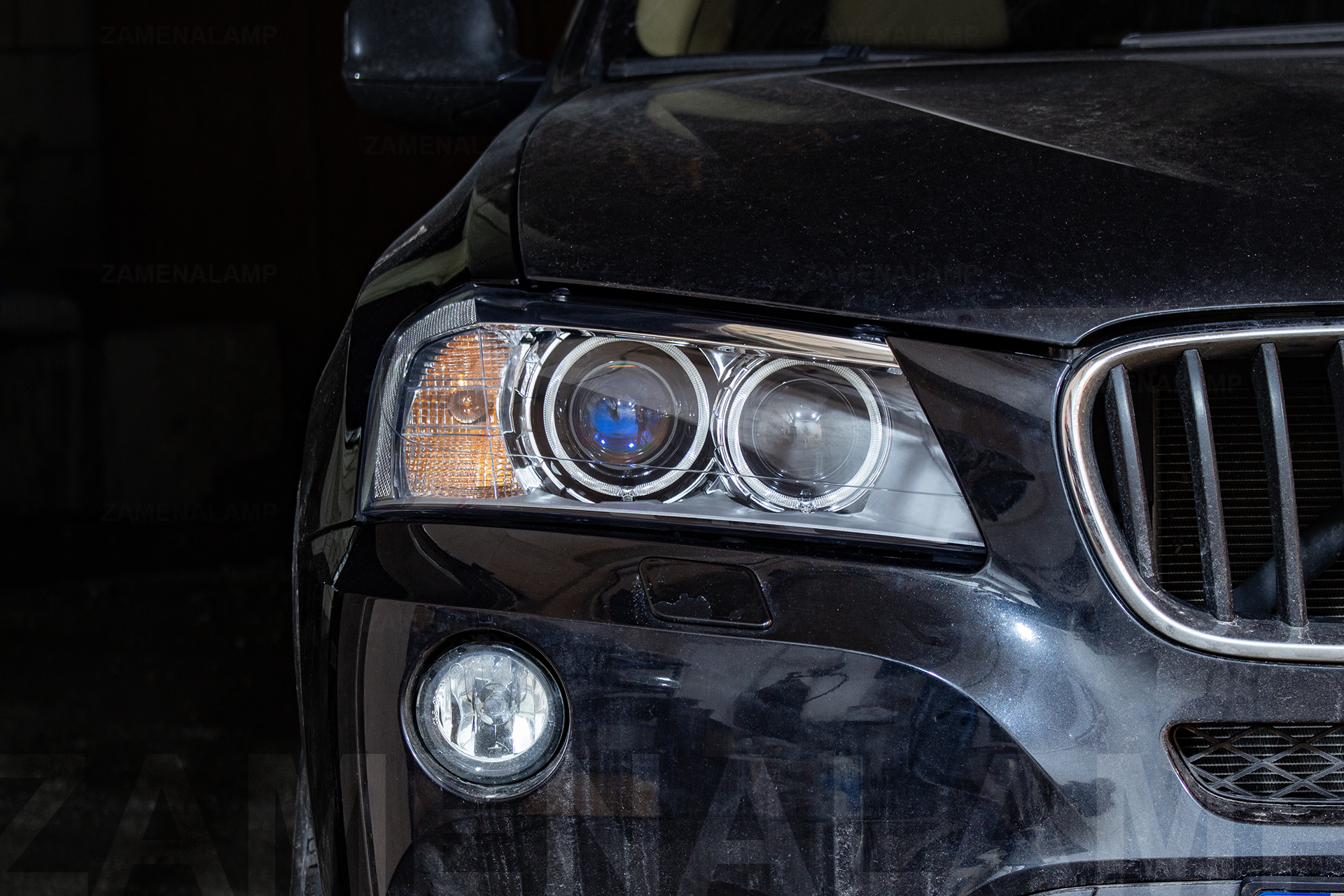 BMW X3 F25 замена штатных линз на Hella F1